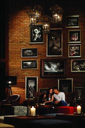 Havana Bar (at Holiday Inn Pattaya): Havana Bar - Couple