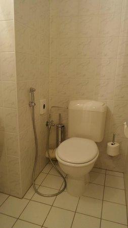 Marriott Executive Apartments Brussels, European Quarter: bathroom