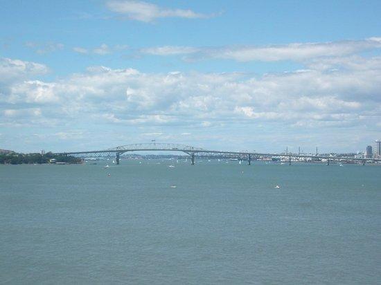 Puente del puerto de Auckland: Auckland Harbour Bridge