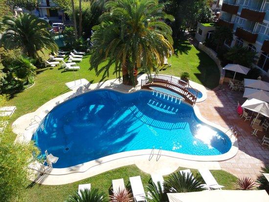 pool im garten - picture of monica hotel, cambrils - tripadvisor, Garten und erstellen
