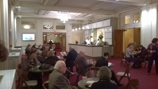 Boston Symphony Orchestra: One of the bar's