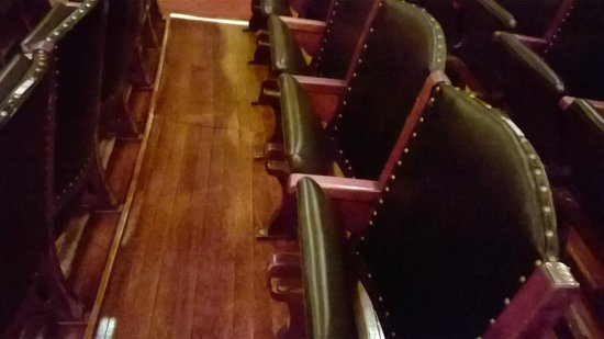 Boston Symphony Orchestra : The comfortable green leather seats