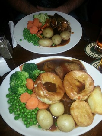 Sam Wellers: A serving of delicious Beef Roast and Lamb Shank