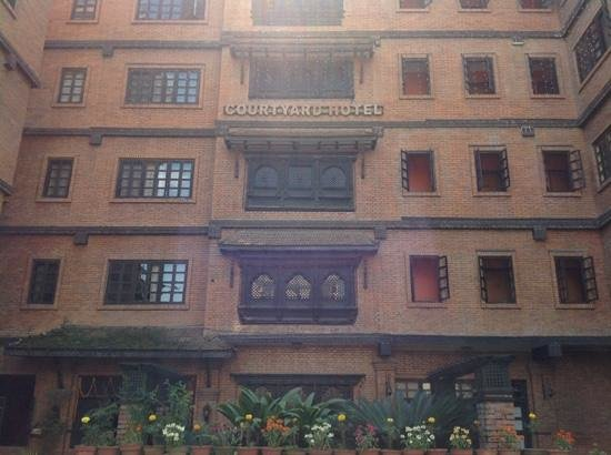 Hotel Courtyard: front view