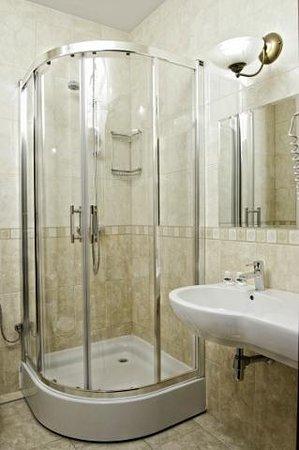 Hotel Arkadia Royal: łazienka