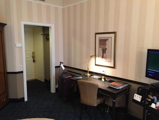 Small Luxury Hotel Ambassador a l'Opera: Номер Делюкс