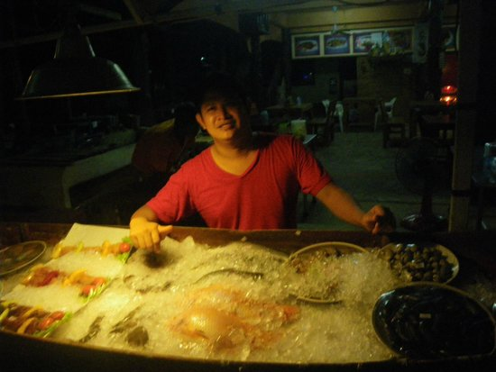 Hippo Cafe: Fresh fish on the grill every night...