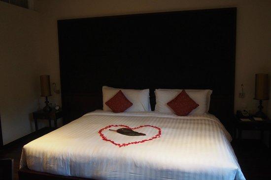 Anantara Vacation Club Phuket Mai Khao: Happy honeymoon decoration