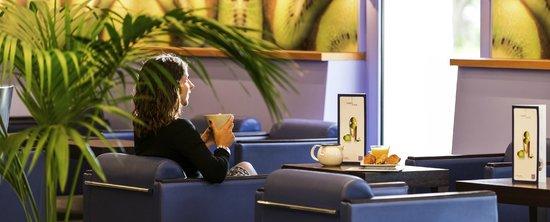 Novotel Nice Arenas Aeroport: Bar