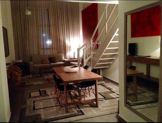 Eco Alcala Suites: Amplio y acogedor
