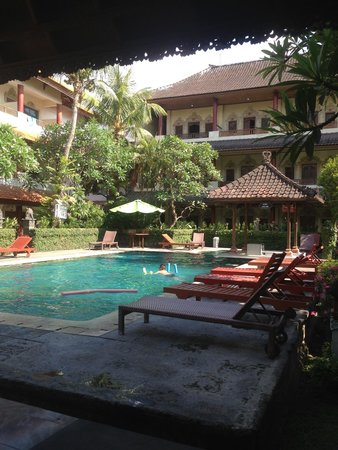 Bakung Sari Resort and Spa : Nice pool for a budget hotel