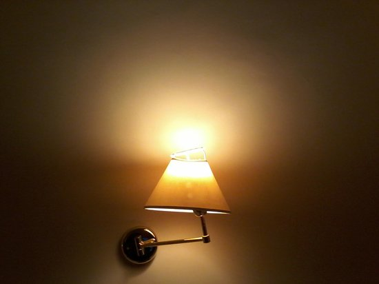 Hotel Center 1: lampara