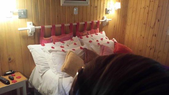Pousada Villa D'Amore: Decoração impecável do quarto