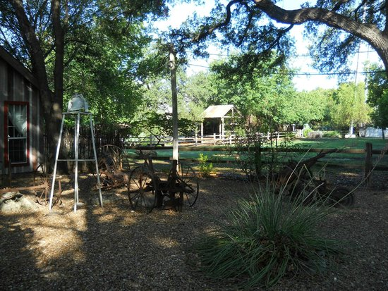 Gruene Mansion Inn Bed & Breakfast: Peaceful view from the Carriage House