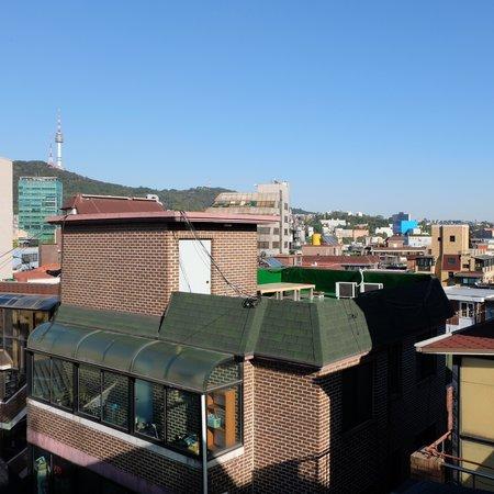 Seoul Station Pencil Hostel: вид с крыши