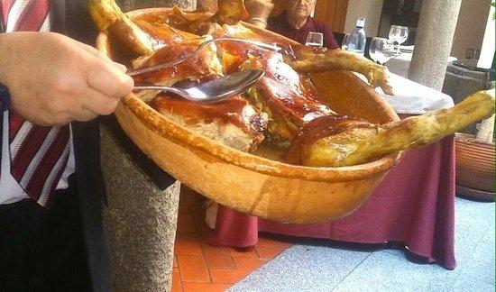 El Fogon Sefardi Restaurante: Cochinillo excelente