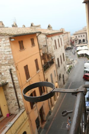 Hotel Restaurant Pallotta Assisi : View to the right from Room #12-Rosa Room