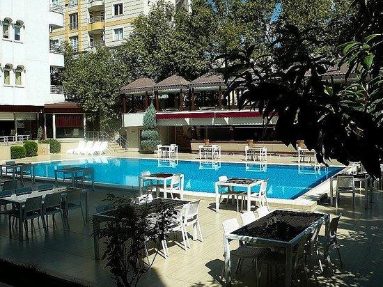 Bozdogan Otel, Adiyaman, Turchia: la piscina