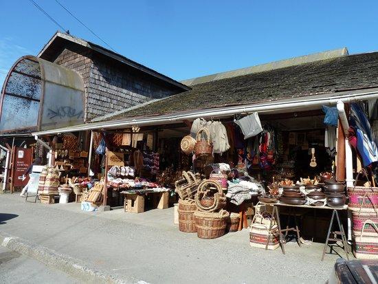Mercado Artesanal Los Palofitos