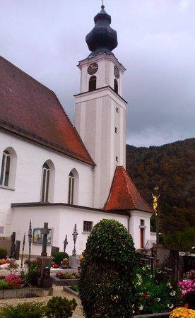 Engelhartszell, Austria: Pfarrkirche.
