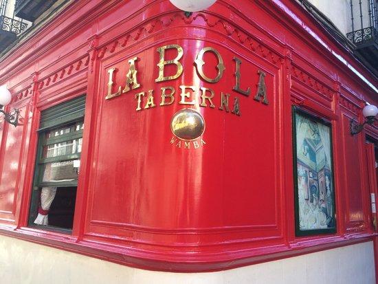 La Bola: Фасад ресторана