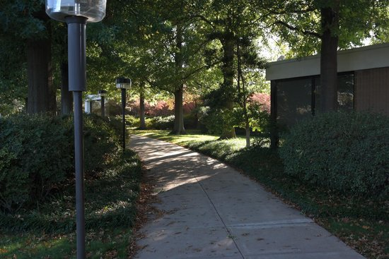 Gilcrease Museum: Along The Walkway Outside