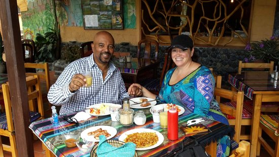 Madre Tierra Resort & Spa: Enjoying one of many delicious meals