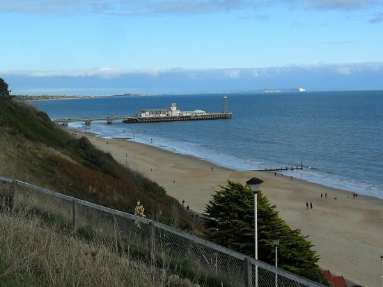 Bournemouth Sands Hotel: View from zigzag steps nearby