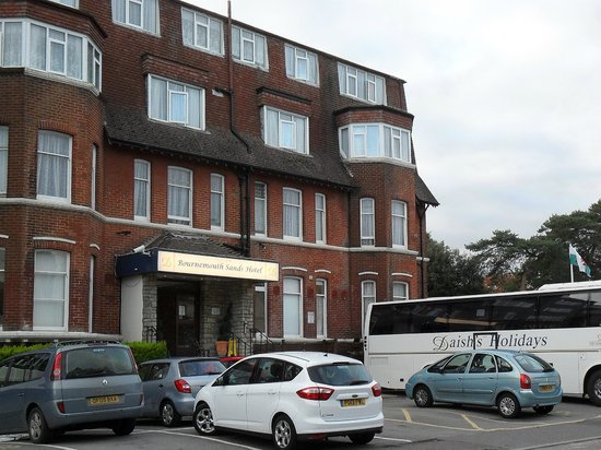 Bournemouth Sands Hotel: Front of hotel