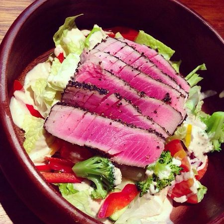 Campus Cafe: ahi tuna salad