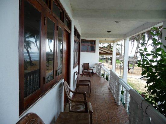 Miltons Beach Resort : .