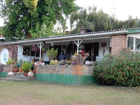 Luwawa Forest Lodge : A lovely verandah outside the dining room