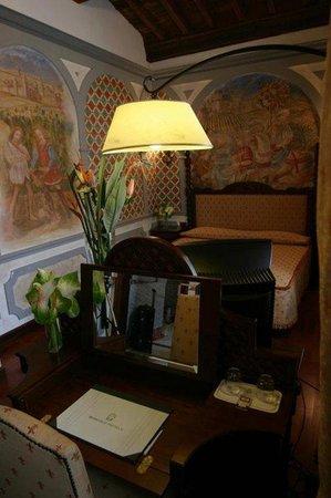 B4 Astoria Firenze: Room