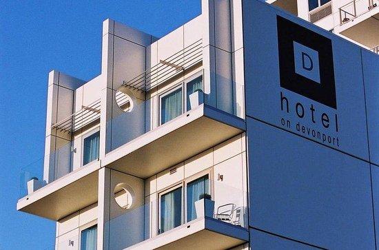Hotel on Devonport: Exterior