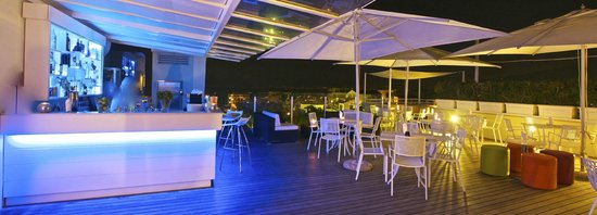 Hotel Plaza: Skybar by night
