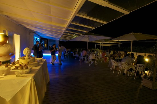 Hotel Plaza: Skybar night party