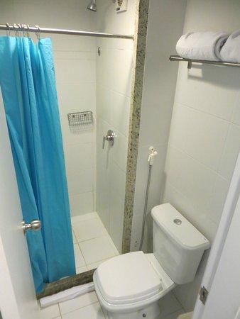 Go Inn Manaus: the bathroom