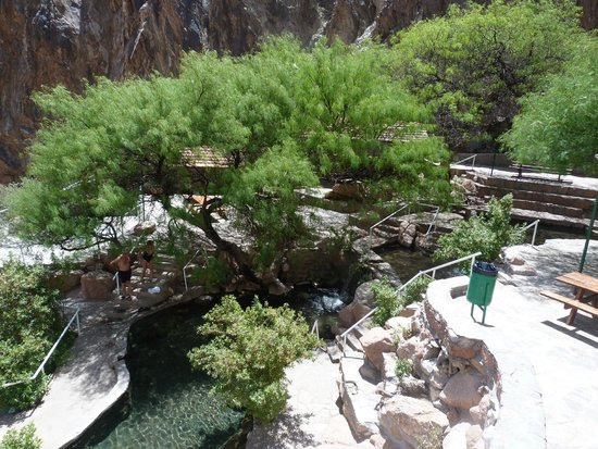 Termas de Fiambala: Ternas totalmente naturales en medio de los cerros a 2400 mts. de altura