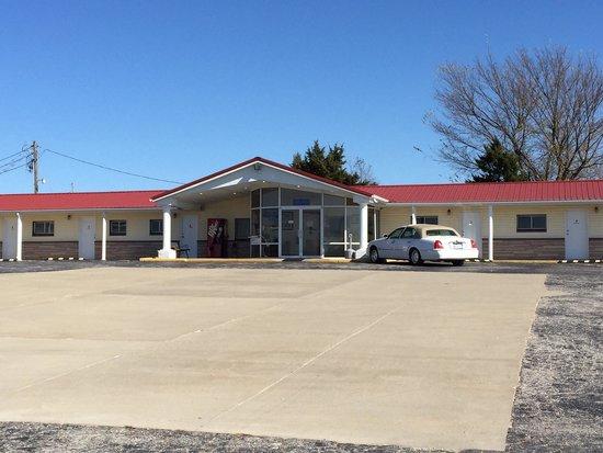 Red Cedar Motel Rv Park