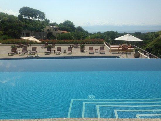 Grand Sirenis Matlali Hills Resort & Spa: Resort was pretty empty