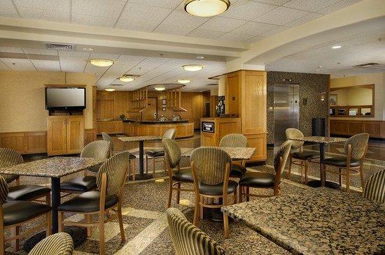 Drury Inn & Suites San Antonio North: Dining Area