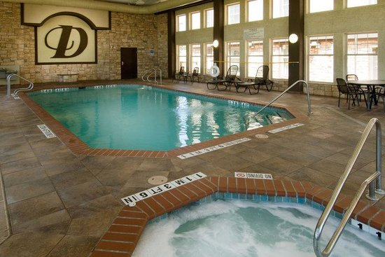 Drury Inn & Suites San Antonio North: Indoor Pool & Whirlpool