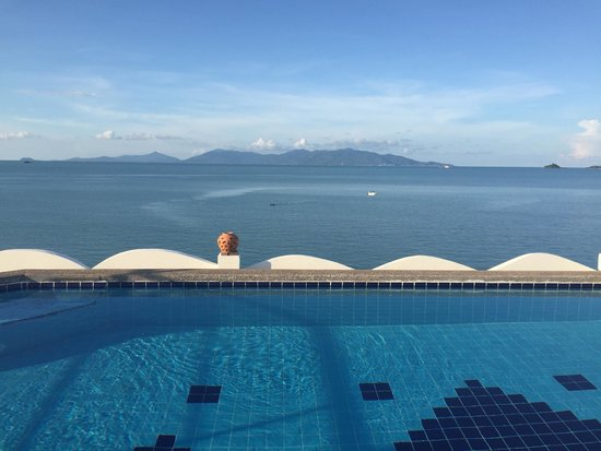 L' Hacienda: La piscine sur le toit , à consommer sans modération au coucher du soleil juste devant !