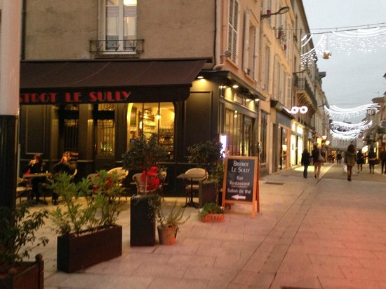 Le sully chartres restaurant avis num ro de t l phone for Bon restaurant chartres