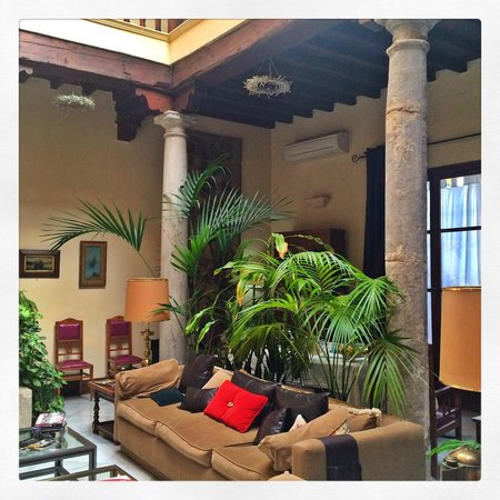 Carmen Del Cobertizo: The living room and centre of the guesthouse
