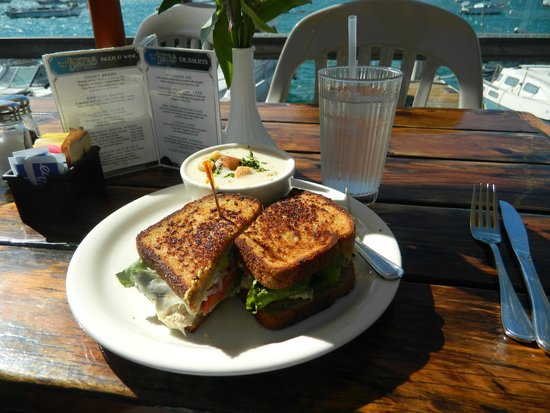 Blue Sky Bistro on the Bay: Tuna melt and cup of chowder