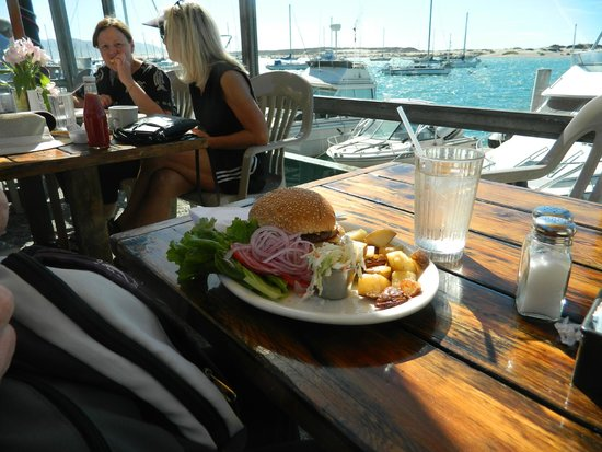 Blue Sky Bistro on the Bay: Burger