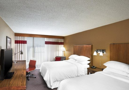 Four Points by Sheraton Kansas City - Sports Complex: Guest Room