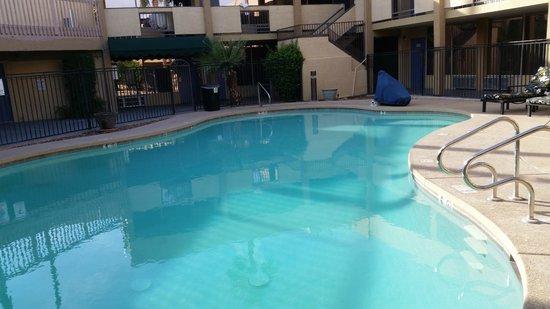 Motel 6 Glendale: Pool