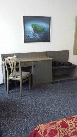Centro Hotel Eden: unser Schreibtisch